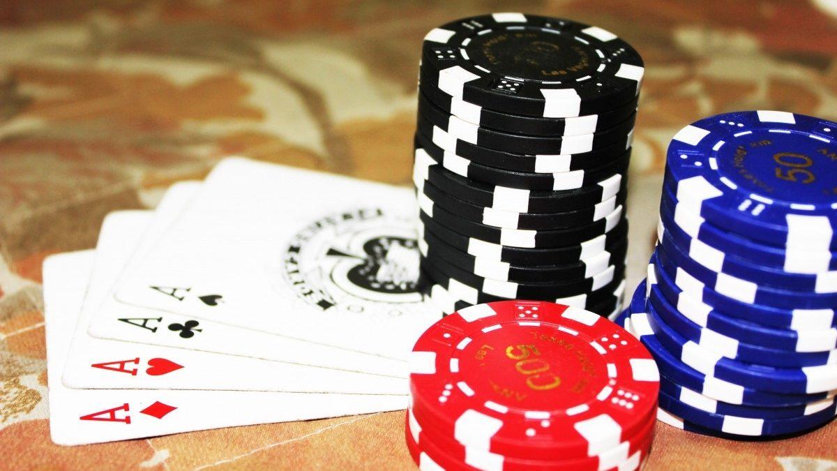 Conventional Playsbo Gambling Or Web-Based Gambling?