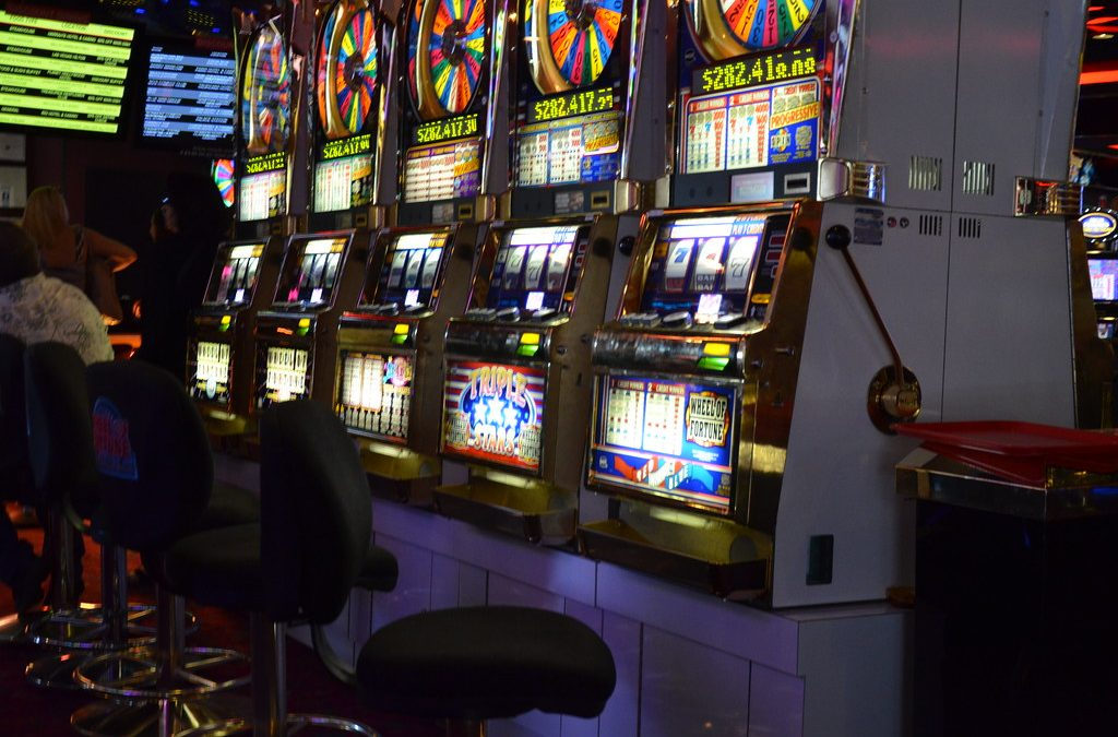 Variance in the Slot machines for the gaming